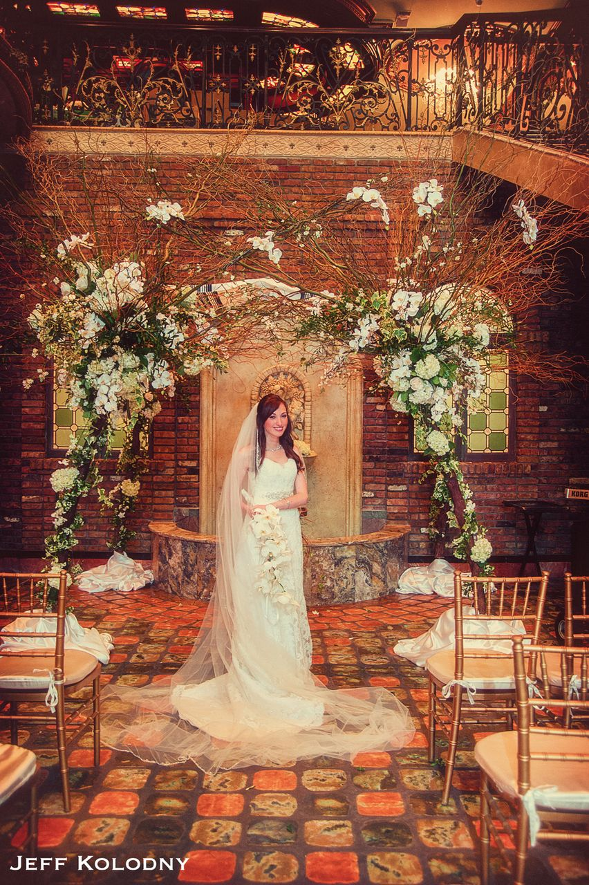 Bride on first floor of Cruz Buiilding